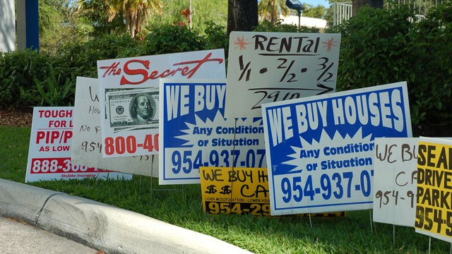 PHOTO: The city of Hollywood, Fl. (pictured) and Oakland Park, Fl. are using robo-calling to fight illegal signs that have proliferated on public and private property.