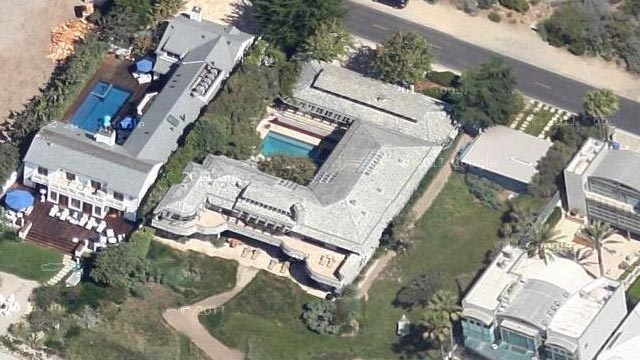 PHOTO: Steven Spielberg's Malibu home