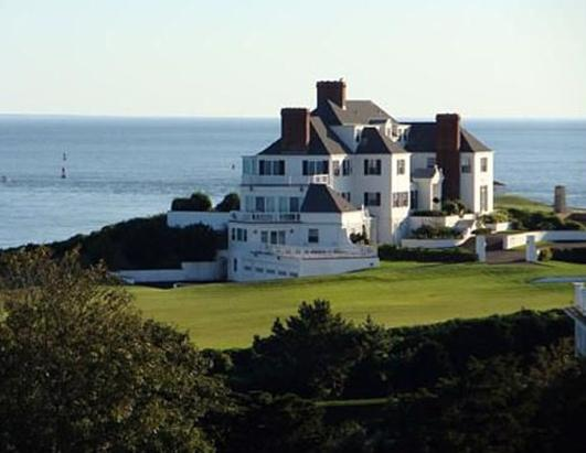 Taylor Swift Buys R.I. Mansion