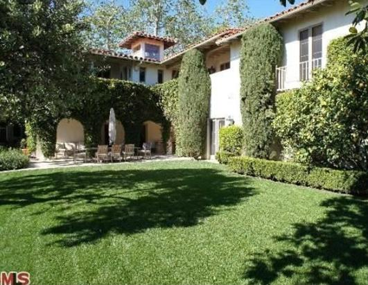 Tom Hanks Lists in Pacific Palisades