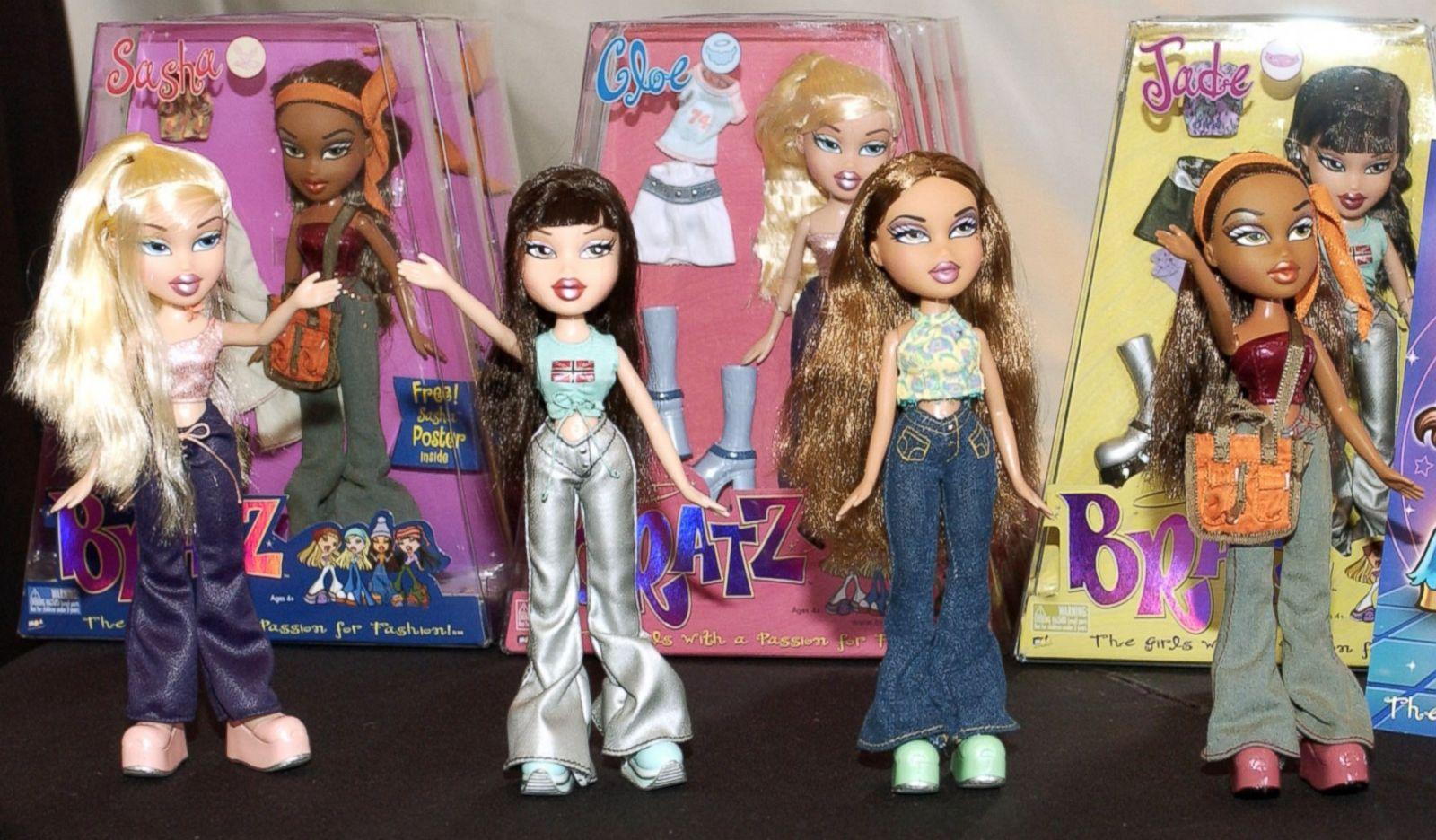 ht_toy_year_2001_bratz_dolls_mga_entertainment_jc_150212_12x7_1600.jpg