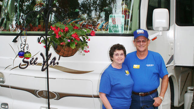 PHOTO: Richard and Reta Averill have held volunteer and paid Workamping positions, where they live in a camper and work nearby seasonal jobs in factories.