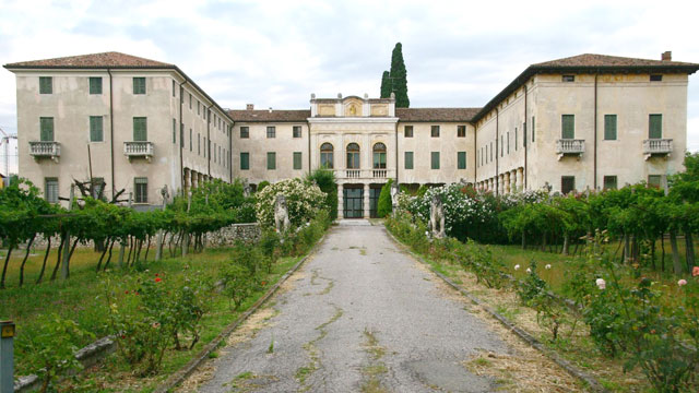 PHOTO: Brad Pitt and Angelina Jolie have purchased the 15-room Villa Costanza near Verona, Italy.