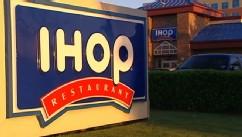 VIDEO: Restaurant chain allegedly fired four Arab men based on their national origin.