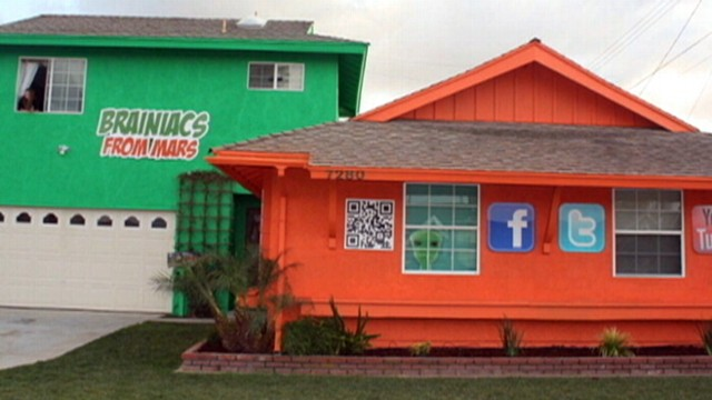 VIDEO: Arizona business will pay mortgage of people who decorate their homes with ads.