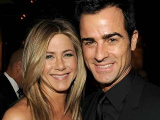 Photos: Jennifer Aniston Engaged