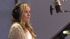 VIDEO: Kristen Bell Adds Quirky, Goofy Personality to Frozen Character