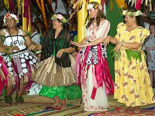 Photos: Kate Middleton Shakes and Shimmies in Tuvalu
