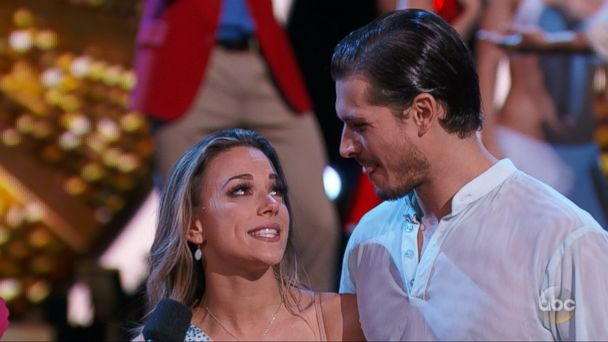 VIDEO: Country singer and actress Jana Kramer was eliminated from