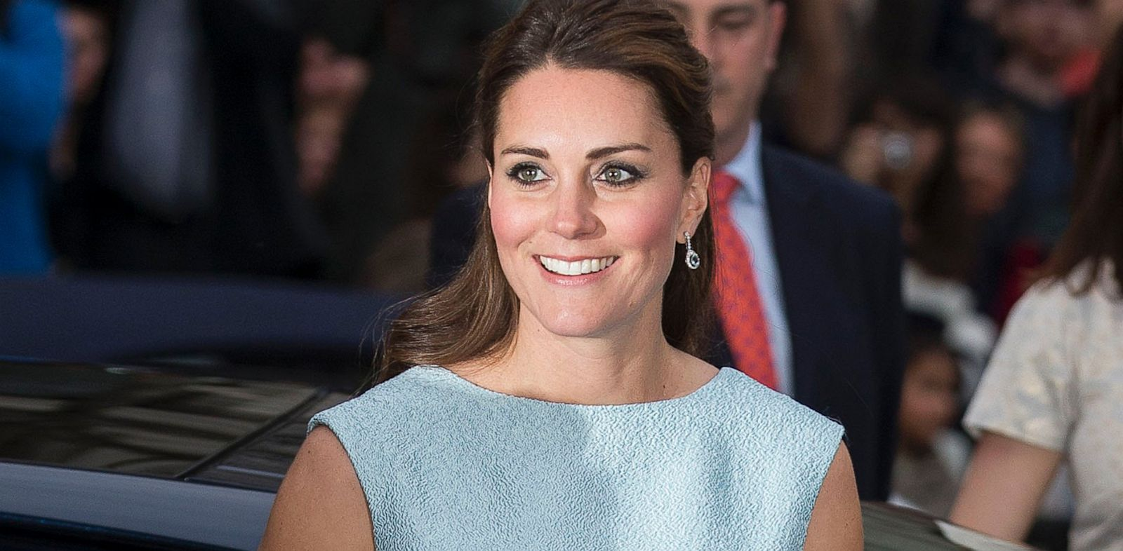 PHOTO: Catherine, Duchess of Cambridge attends The Art Room reception at National Portrait Gallery, April 24, 2013 in London.