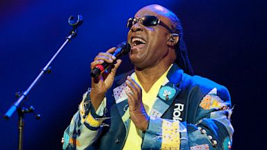 PHOTO: Stevie Wonder performs on May 19, 2013 in Gulf Shores, Ala.