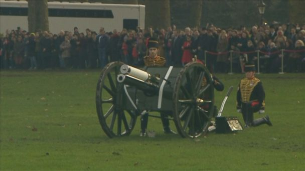 VIDEO: Gun salute was fired in London's Green Park on Monday in honor of Britain's Queen Elizabeth II, who ascended to the throne in 1962.