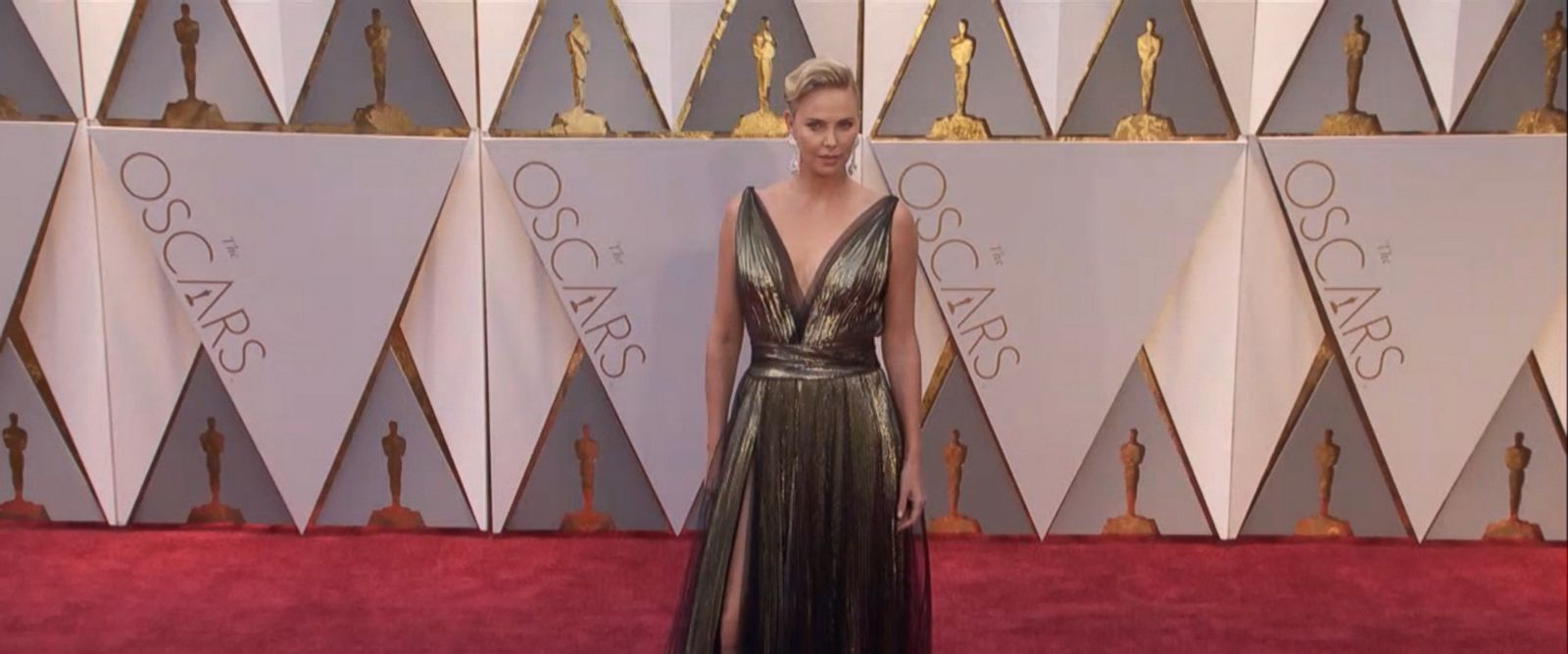 See the celebrities walk the red carpet at the 89th annual Academy Awards.