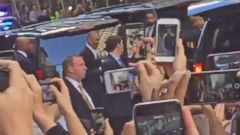 VIDEO: Former Pres. Barack Obama greeted by cheering crowds leaving Broadway play