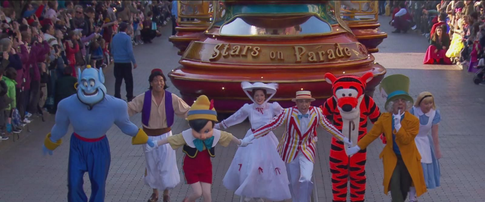 VIDEO: Disneyland Paris 25th Anniversary - Disney Stars on Parade
