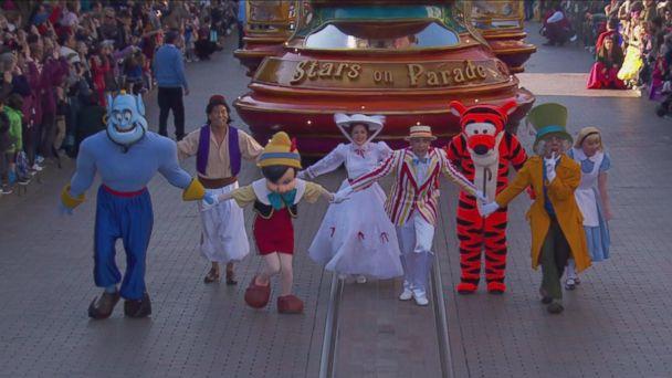 VIDEO: Disneyland Paris 25th Anniversary - Disney Stars on Parade