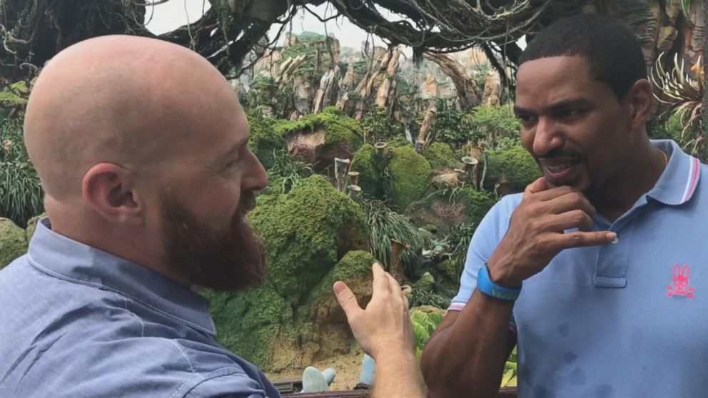 VIDEO: Actor Laz Alonso visits Pandora: World of Avatar attraction at Walt Disney World
