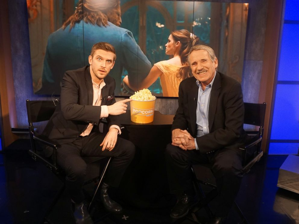 PHOTO Dan Stevens And Peter Travers At The ABC News Studios In New York City