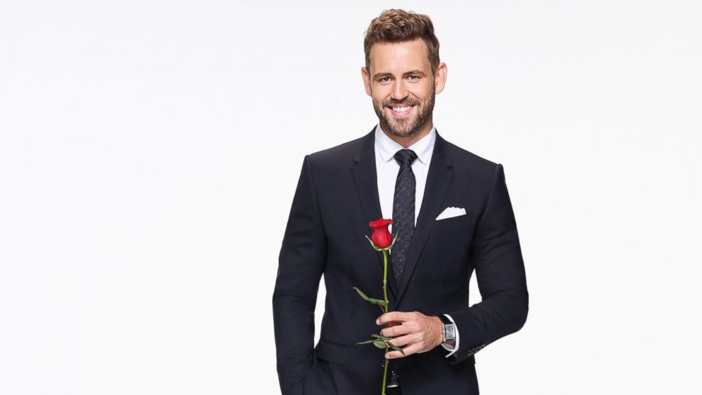 The Bachelor Premiere Recap Nick Viall Meets 30 Women