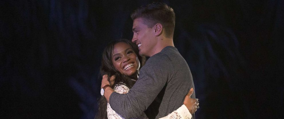 "PHOTO: Rachel Lindsay and Dean are seen in ""The Bachelorette."""