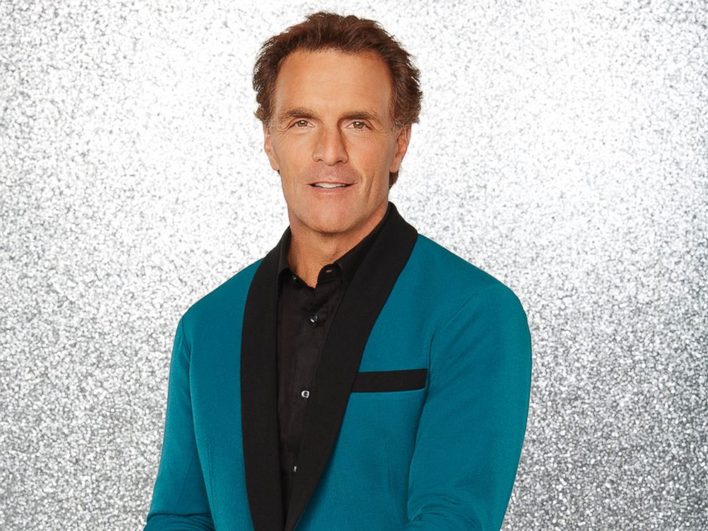 PHOTO: Doug Flutie and the rest of the stars will grace the ballroom floor for the first time on live national television with their professional partners during the two-hour season premiere of Dancing with the Stars, on Monday, March, 21, 2016.