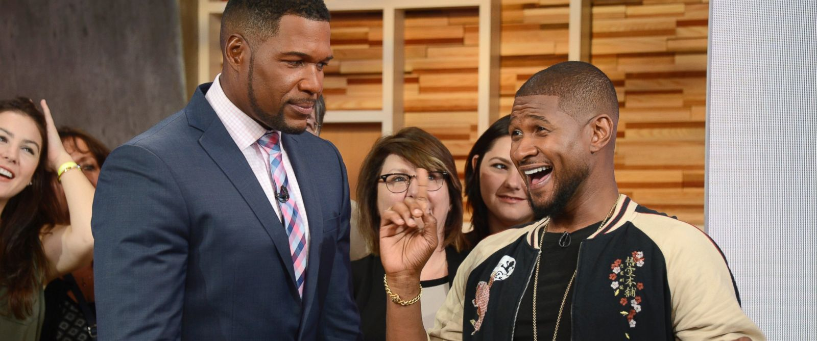 "PHOTO:Michael Strahan brings ""best friend"" Usher to his first full-time day at ""GMA."""