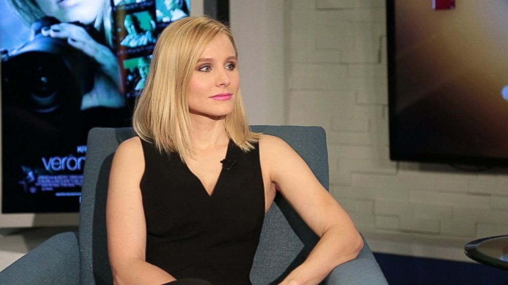 "PHOTO: Kristen Bell is seen during an interview with Peter Travers on ""Popcorn."""