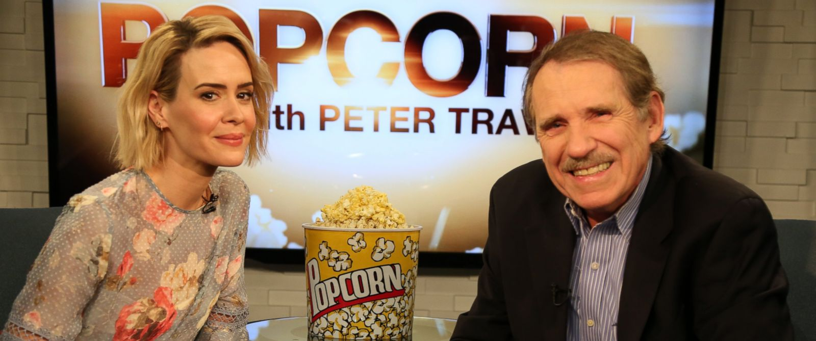 PHOTO: Sarah Paulson speaks with Peter Travers at the ABC Headquarters in New York, February 9, 2016.