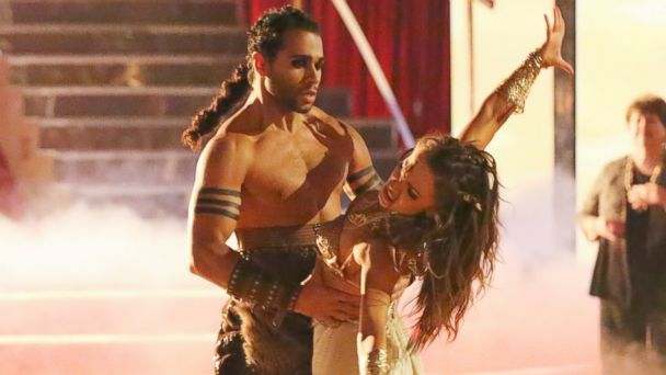 ABC bleu 133534 8434 ful 16x9 608 Dancing With the Stars Week 7 (Live Updates)   The Live Blog