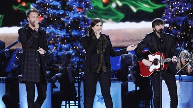 PHOTO: Lady Antebellum performs on &quot;CMA Country Christmas.&quot; For the third year, Sugarland's Jennifer Nettles will host the &quot;CMA Country Christmas&quot; special, airing Dec. 20, 2012, on ABC.