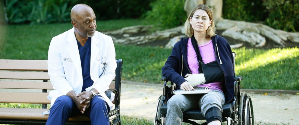 "PHOTO: Ellen Pompeo, right, and James Pickens Jr. are pictured in Greys Anatomy episode: ""The Sound of Silence"" on Feb. 11, 2016."