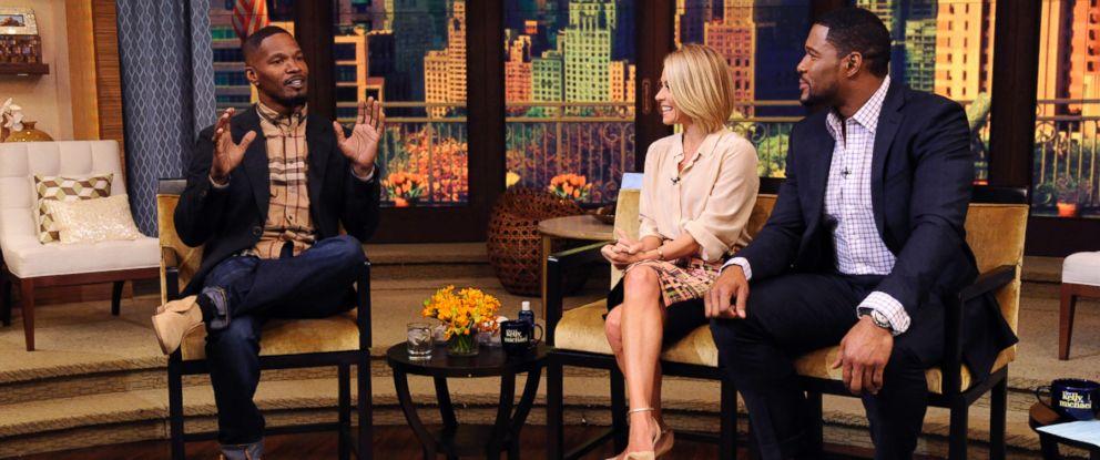 """PHOTO: Jamie Foxx speaks with Kelly Ripa and Michael Strahan on """"Live! with Kelly and Michael"""""""