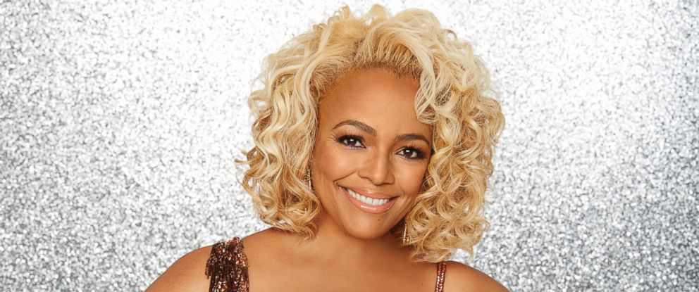 """PHOTO: Kim Fields and the rest of the stars will grace the ballroom floor for the first time on live national television with their professional partners during the two-hour season premiere of """"Dancing with the Stars,"""" on Monday, March, 21, 2016."""