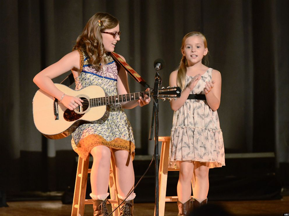 PHOTO: Lennon and Maisy Stella star in Nashville