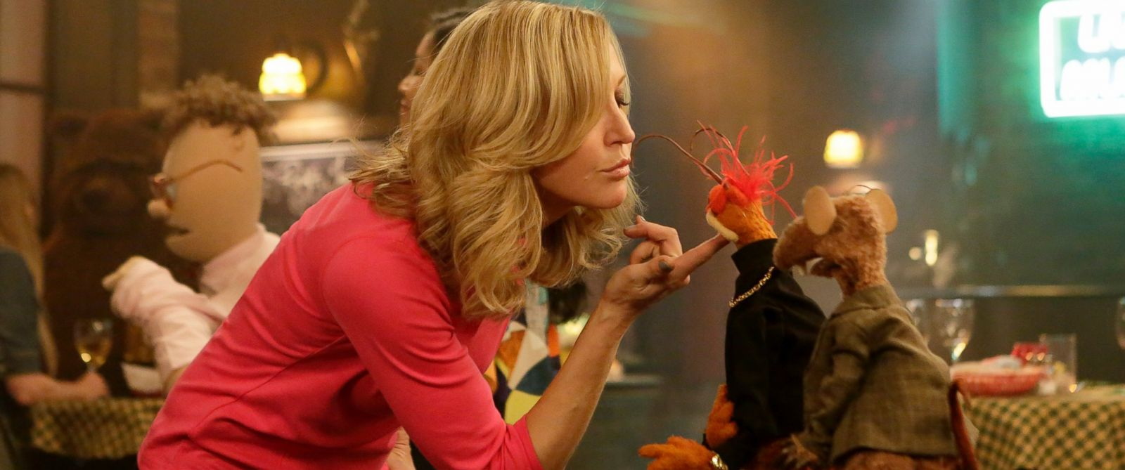 "PHOTO:""Good Morning America"" co-anchor Lara Spencer went backstage at ""The Muppets."""