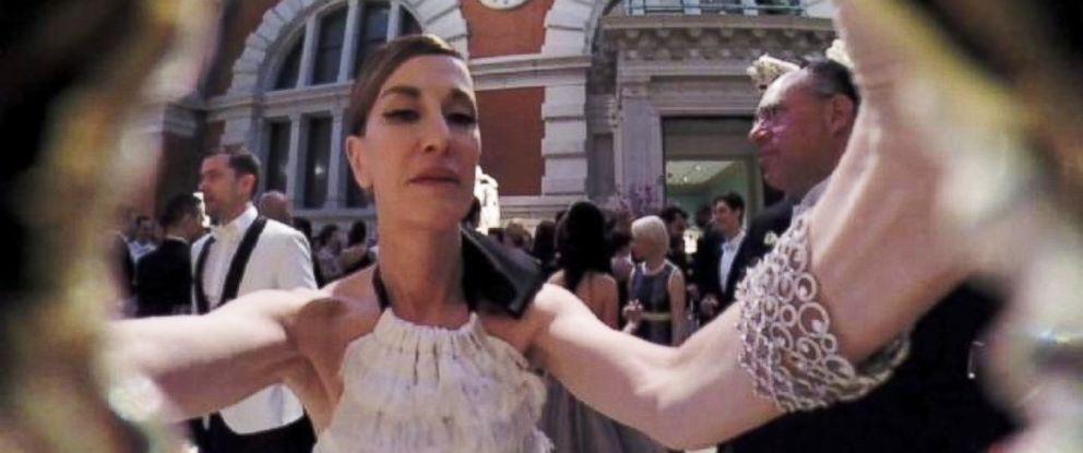 PHOTO: Designer Cynthia Rowley films the Met Gala through her purse, May 5, 2014.