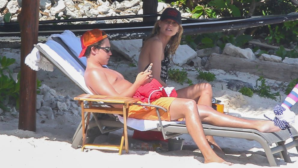 Heidi Klum enjoys a Mexican getaway with her new boyfriend Vito Schnabel and enjoys the sunny weather at the beach on April 15, 2014.