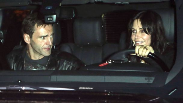 AKMGSI courteney cox2 tk 131209 16x9 608 Guess Who Attended Jennifer Anistons Holiday Party