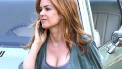 Isla Fisher Sports a Huge Bump On-Set