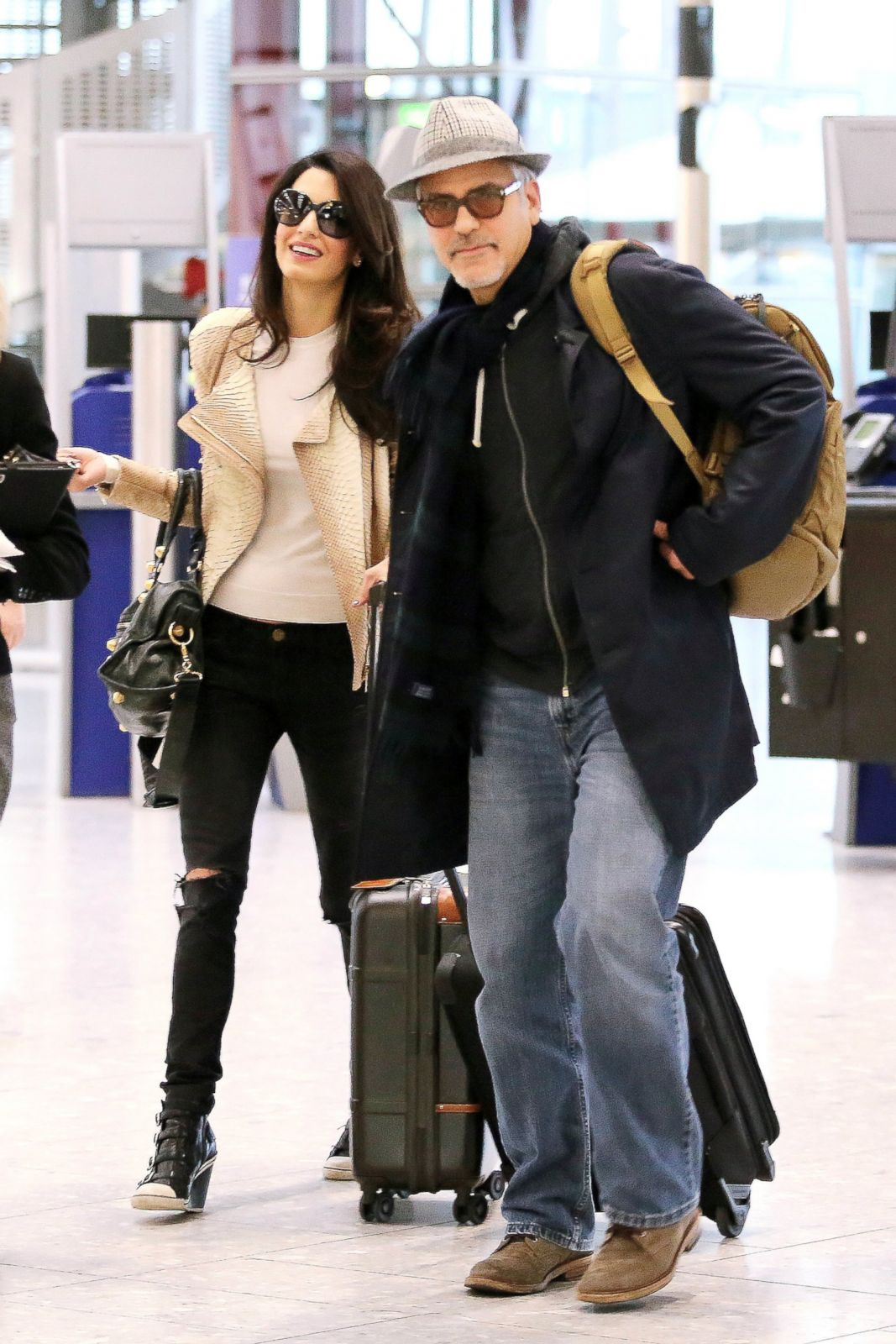 george and amal jet setting on thanksgiving picture all. Black Bedroom Furniture Sets. Home Design Ideas
