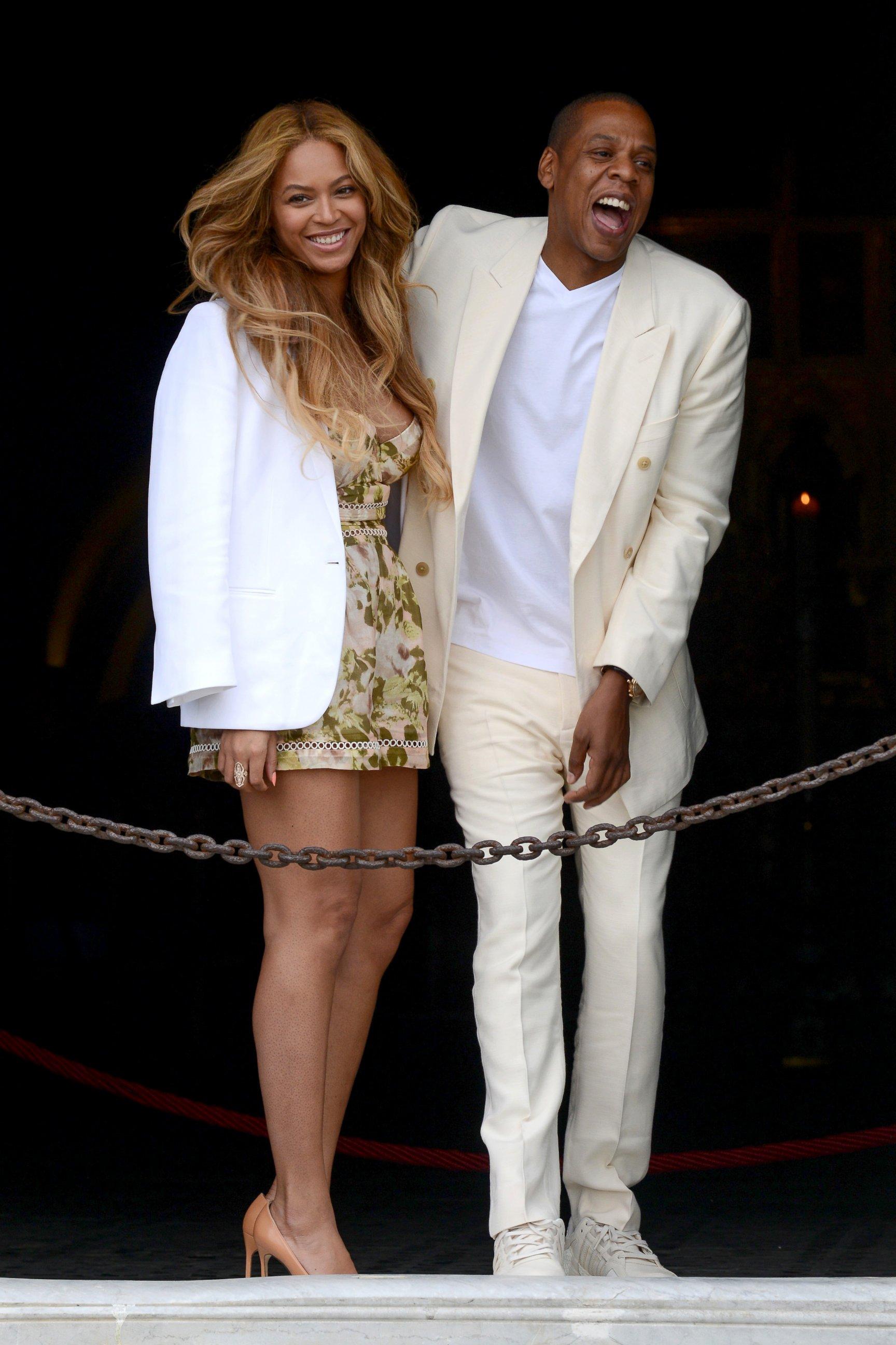 Beyonce and Jay Z Enjoy an Italian Getaway