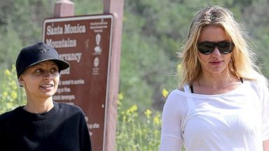 Nicole Richie and Cameron Diaz Take Out Their Pets