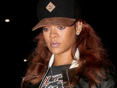 Rihanna Goes Casual in a T-Shirt and Sneakers