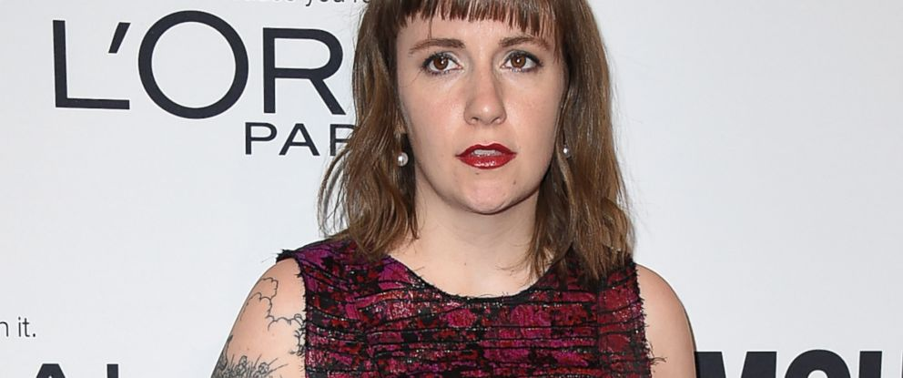 PHOTO: Lena Dunham arrives at the Glamour Women of the Year Awards at NeueHouse Hollywood in Los Angele, Nov. 14, 2016.