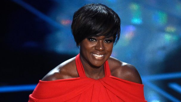 PHOTO: Viola Davis accepts the award for best actress in a supporting role for