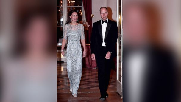 PHOTO: Britain's Prince William, and his wife Kate, the Duchess of Cambridge arrive for a diner at the British Embassy in Paris on March 17, 2017.