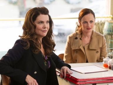 PHOTO: This image released by Netflix shows Lauren Graham, left, and Alexis Bledel in a scene from, Gilmore Girls: A Year In The Life, premiering on Netflix.