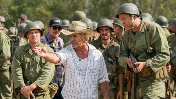 PHOTO: Mel Gibson, center, and actor Vince Vaughn on the set of the film,
