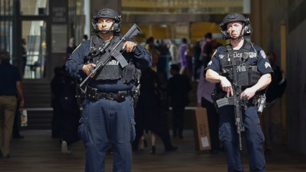 PHOTO: A New York Police Department anti-terror unit guards an entry area to Madison Square Garden, May 23, 2017, in New York.