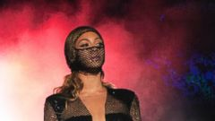 You Wont Believe Beyonces Risque Tour Costumes
